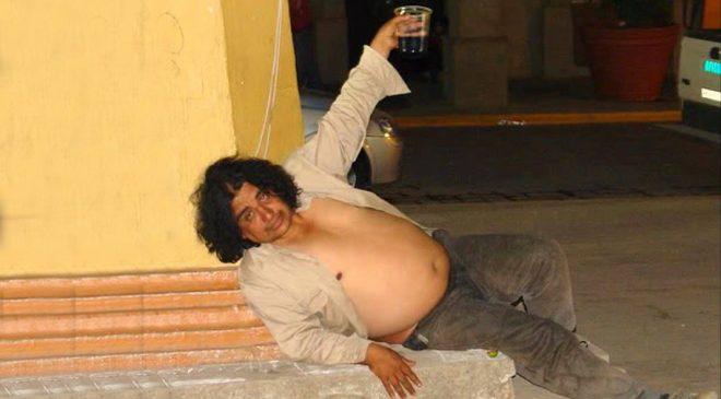 """Un heavy borracho y maloliente afirma que el rock """"es cultura"""""""